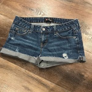 🍁1/2 Off Sale🍁 Guess Jean Shorts
